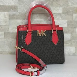 Michael Kors Mott  MD Messenger Leather